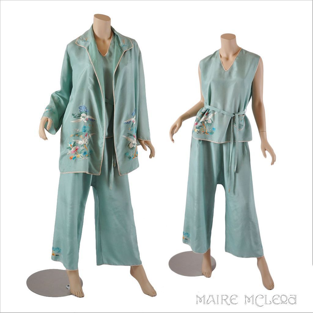12595949b9 1920 s Lounge Wear    Vintage Chinese Embroidered 20s Silk 3 pc Loungewear    Pajamas M
