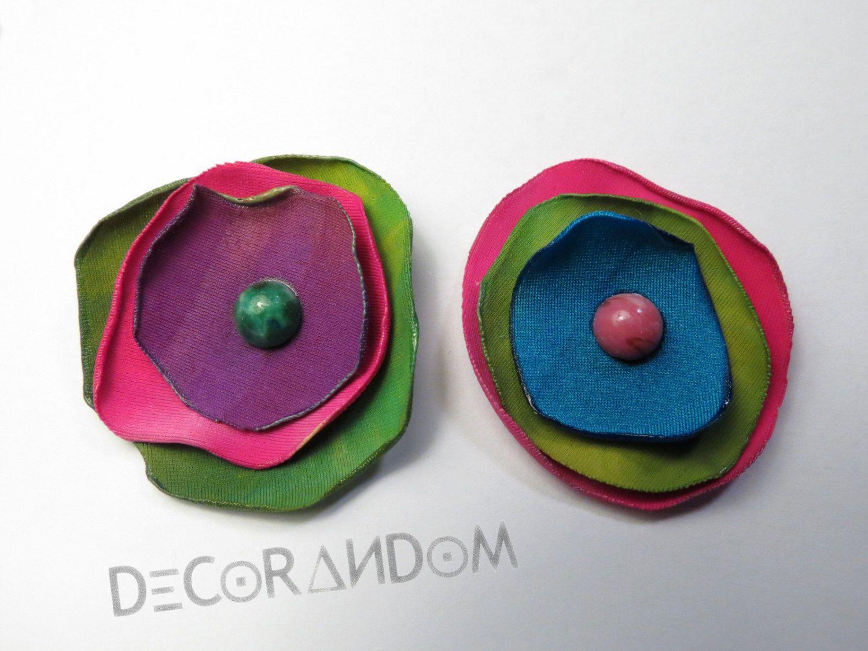 orecchini di stoffa fiori coloratissimi con perla di vetro bigiotteria di riciclo of1 di decorandom su Etsy