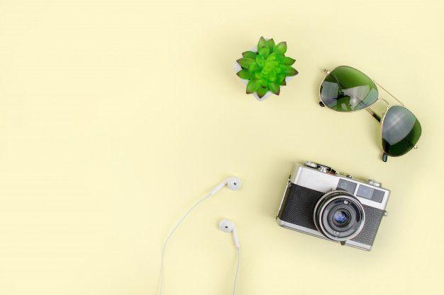 Vacaciones con cámara de cine gafas de   Premium Photo