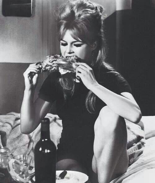 0656df2f1dcf Brigitte Bardot, Bridget Bardot, Bardot Hair, Style Icons, Bb Style, Curvy