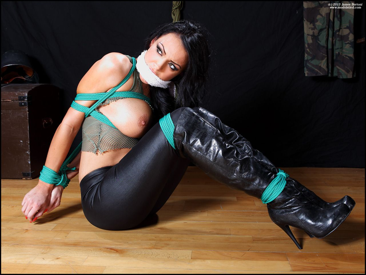 Black latex bdsm lesbian
