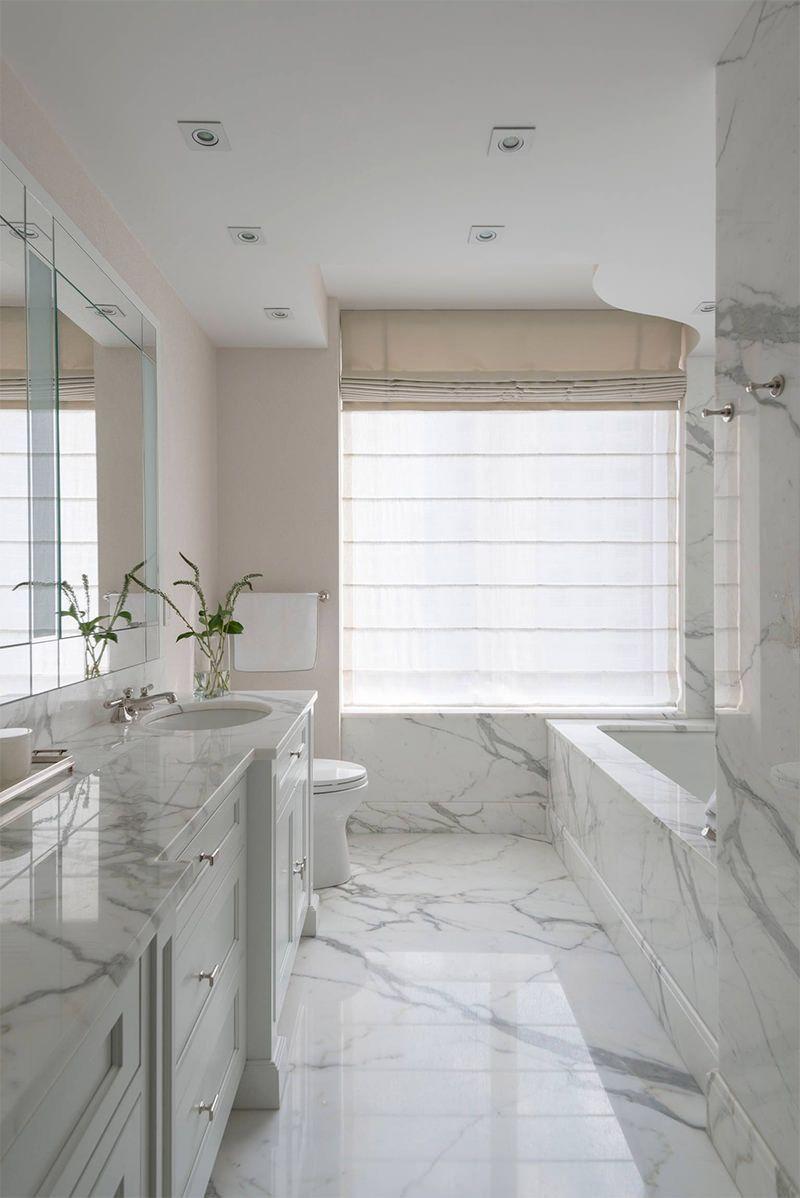 25 banheiros com m rmore para voc se inspirar decora o for Pisos para apartamentos modernos