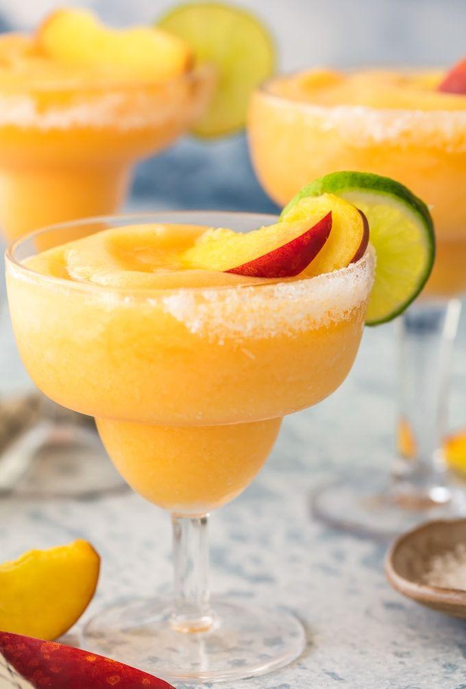 Skinny Peach Frozen Margarita #frozenmargaritarecipes