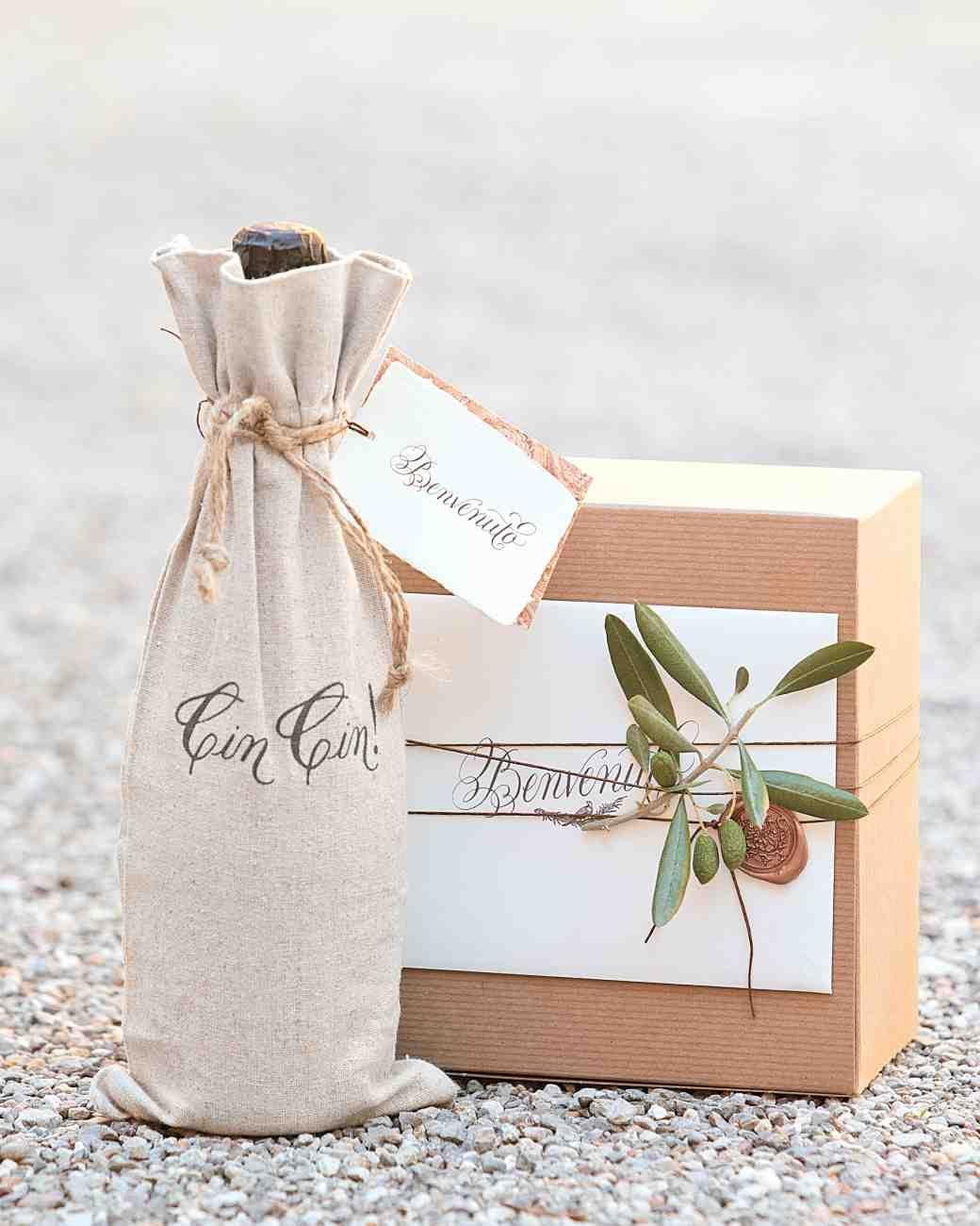 Chrissy Teigen and John Legend\'s Formal Destination Wedding in Lake ...