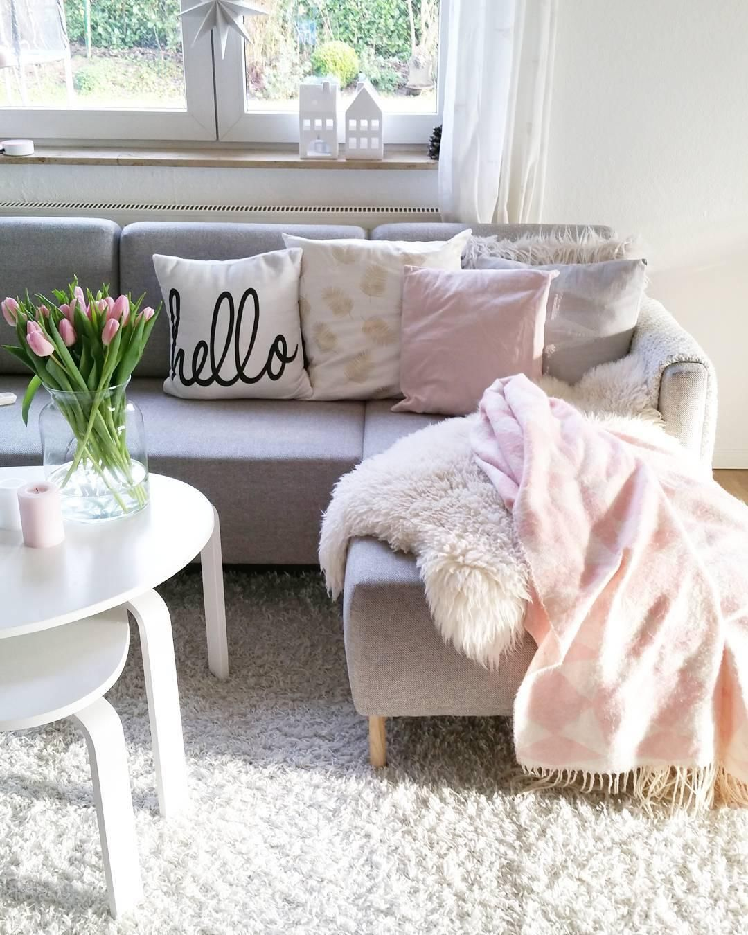 Couchtisch Rosa Kissenhülle Hello Dorm Ideas Sofa Interior Sweet Home
