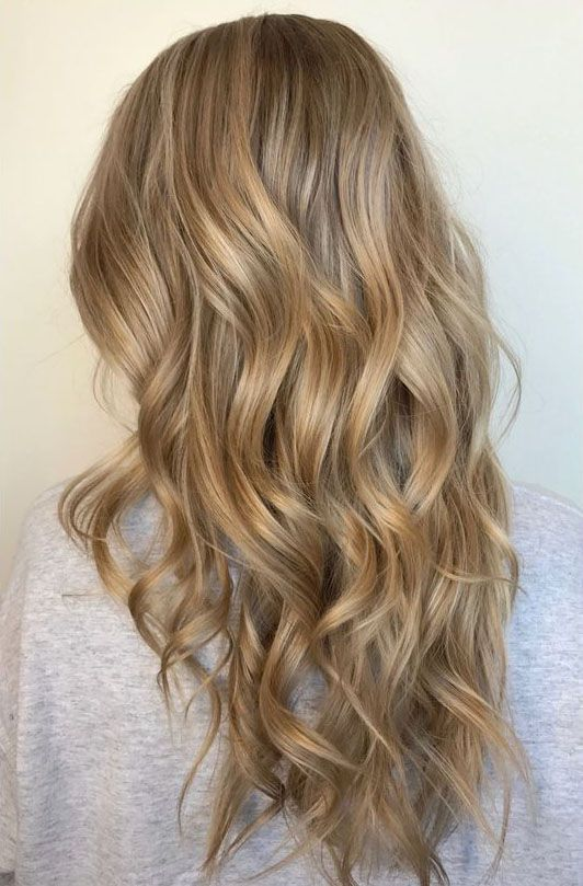 52 Gorgeous Honey Blonde Hairstyles And Haircuts You Ll Love Honey Blonde Hair Hair Styles Balayage Hair