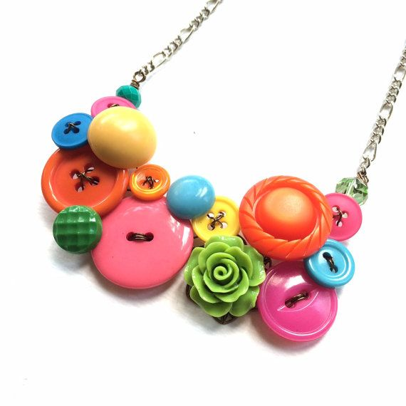 Bright Colorful Garden Vintage Buttons Necklace Pink Orange