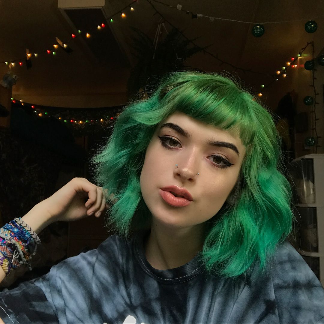 Hello I M Spent 2 Hours Getting Ready Green Hair Hair Styles Aesthetic Hair