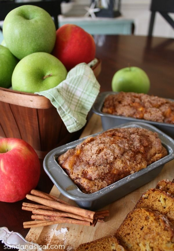 Apple Bread with Streusel Topping - I've been craving both pumpkin and apple so this would be a perfect fall recipe to give a try.