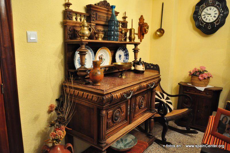 Venta de muebles antiguos usados con buen estado de for Muebles de segundamano madrid