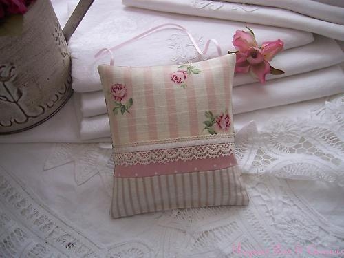 Coussin DE Porte Lavande Tissu Rayé ET Fleuri Shabby Rose Dentelle | eBay
