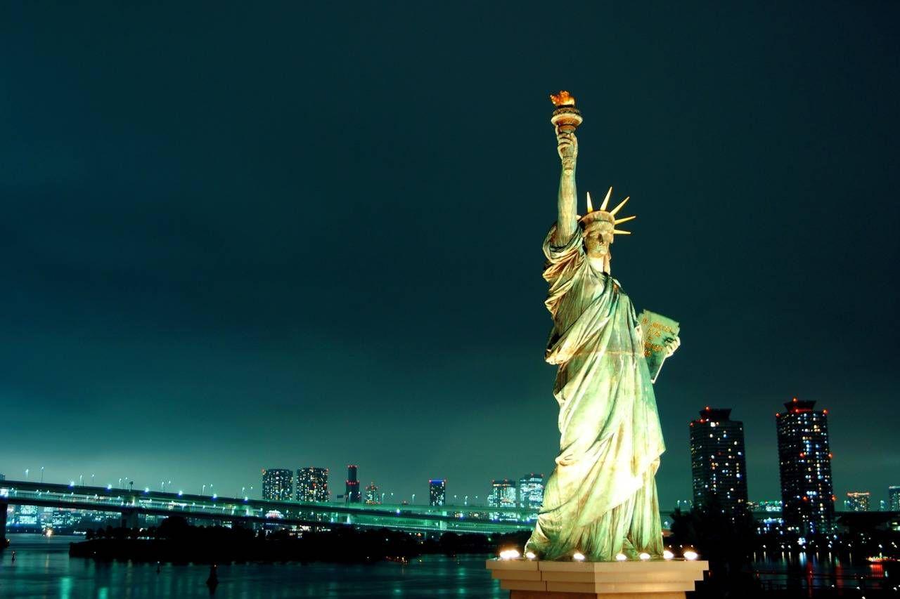Как нарисовать Статую Свободы карандашом поэтапно?