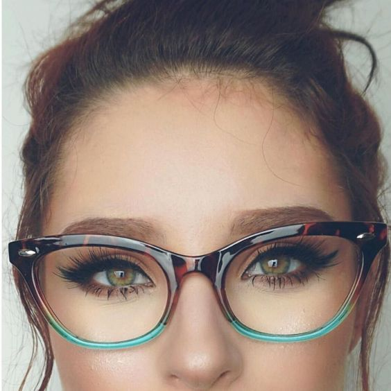 Lupescuevas Has Got Us Mesmerized She S Looking Like Such The Beauty In Our 502024 Glasses By Sunglasss Fashion Eye Glasses Eyeglasses For Women Cute Glasses