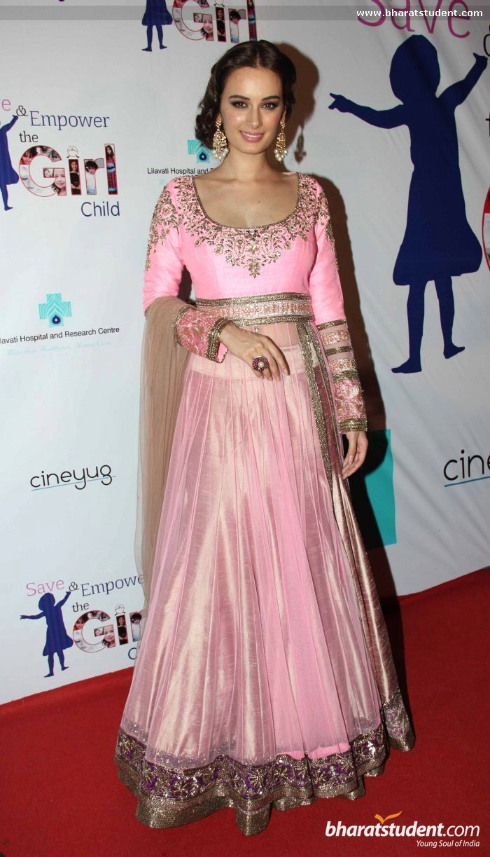Evelyn Sharma in Manish Malhotra Fashion Show for \'Save & Empower ...