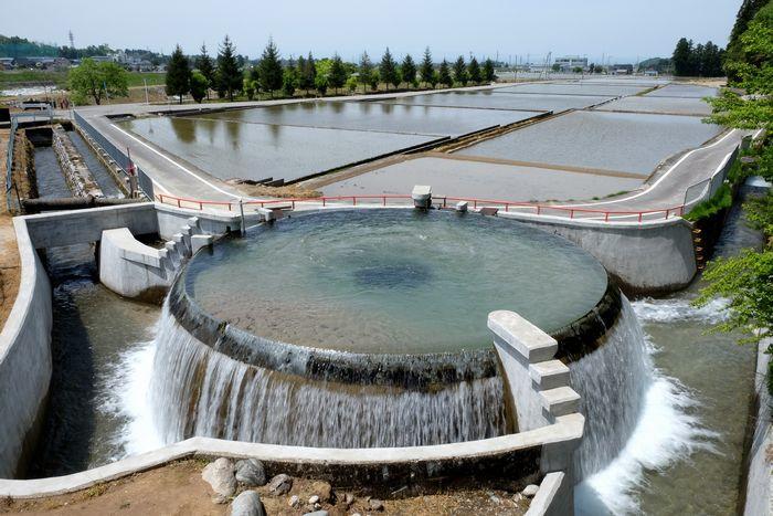 【富山】円筒分水漕 富山県內には4か所ある。 円筒分水工とも ...