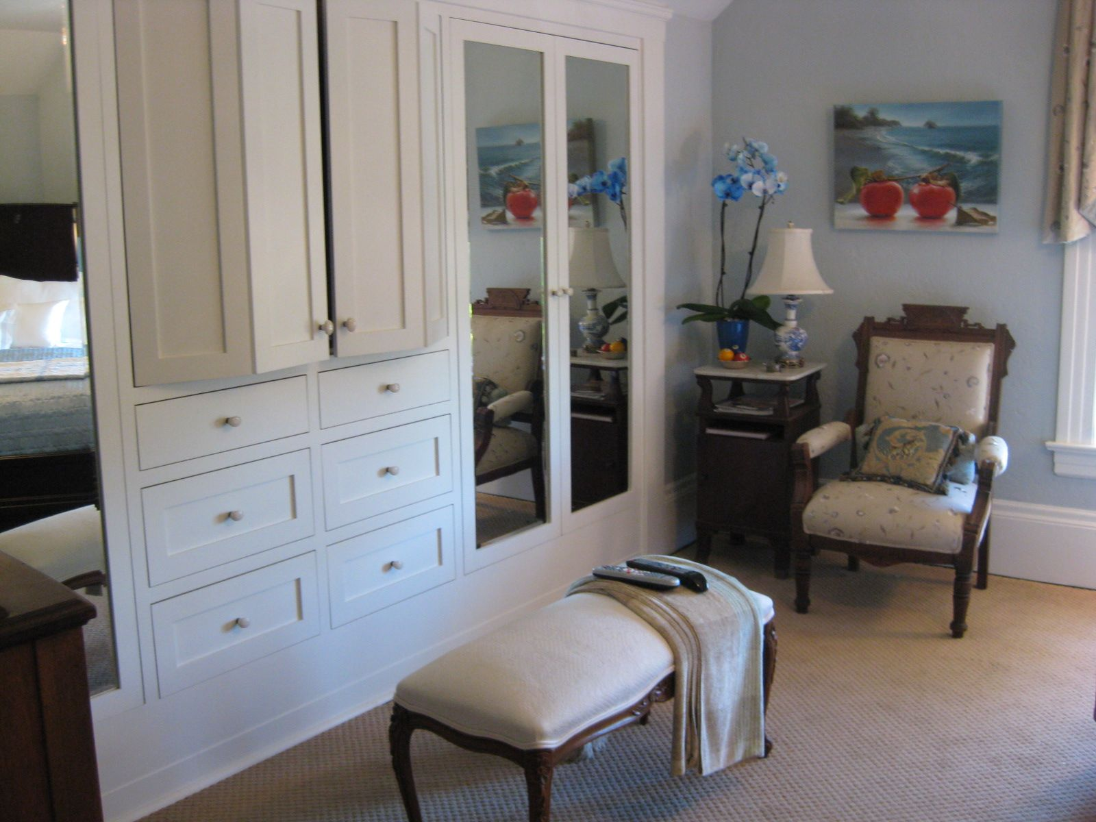 Bedroom with tv and closet - New Built In Closet Tv Hidden In Folding Doors Beveled Mirror Doors Antique