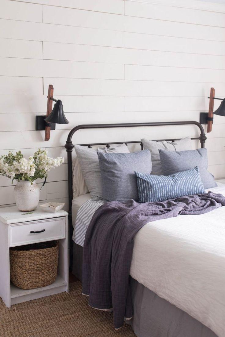 Master bedroom decor  Summer Bedroom Farmhouse Decor  Master Bedrooms  Pinterest