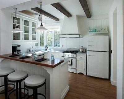 Kitchen by Candelaria Design Associates   wwwhouzz/photos