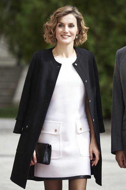 Queen Letizia attends the 'Luis Carandell'  Award Ceremony