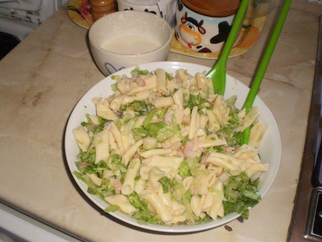 Ensalada de pasta con salsa de mahonesa