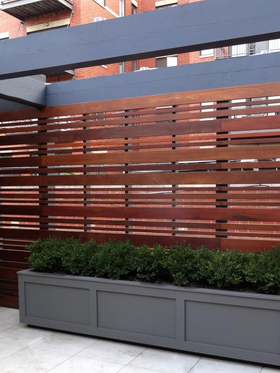 A Chicago Rooftop Fence By Topiarius In A Horizontal 400 x 300
