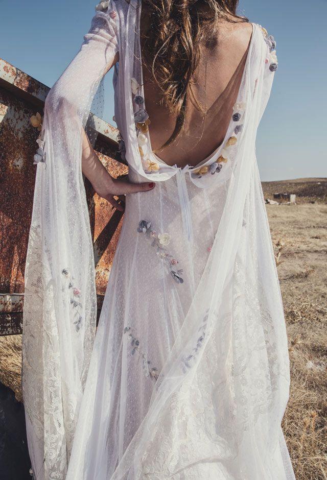 una boda castellana. vestido de flores de helena mareque © le