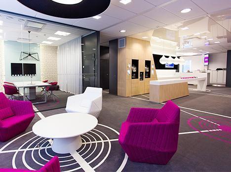 Teknologia ja työkulttuurin muutos mahdollistavat työn tekemisen missä vain, milloin vain. Hyvä toimisto ei ole enää koppikonttori, vaan paikka luovuudelle, kohtaamisille ja brändin vaalimiselle.