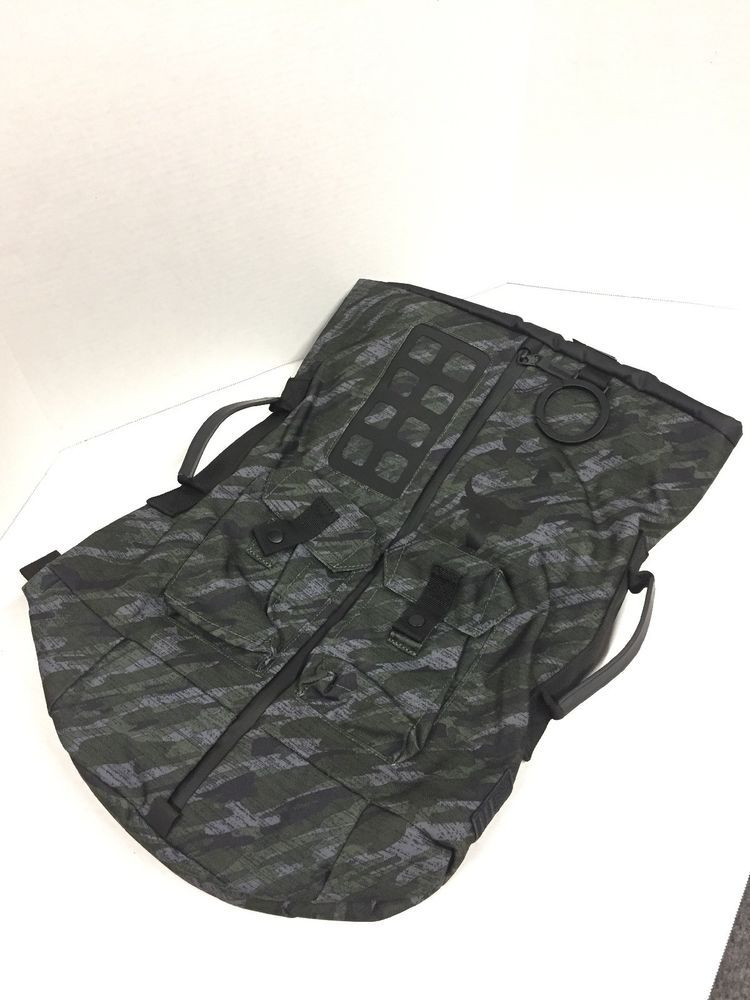 7f60986b87a6 SOLD OUT! Under Armour UA X PROJECT ROCK 60 RARE Veterans Day Duffle ...