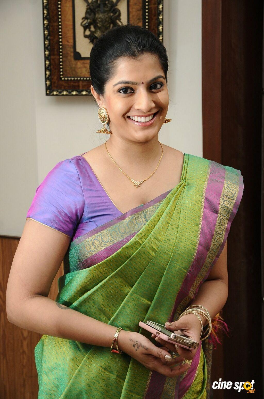 Santabanta Forums  Check  Indian Beauty Saree, Tamil -7412
