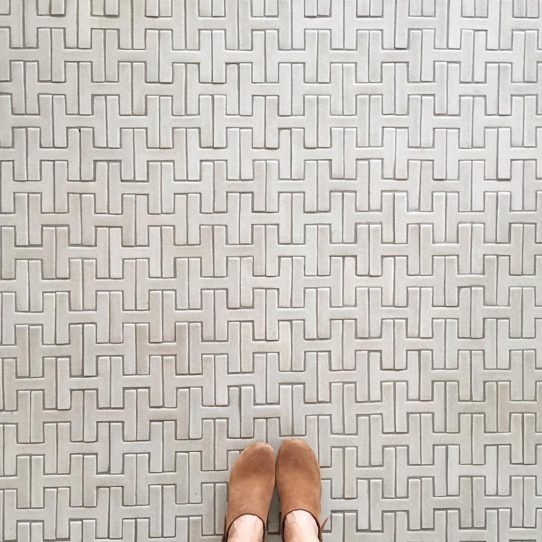 chaine homme floor in sand dunefireclay tile | home