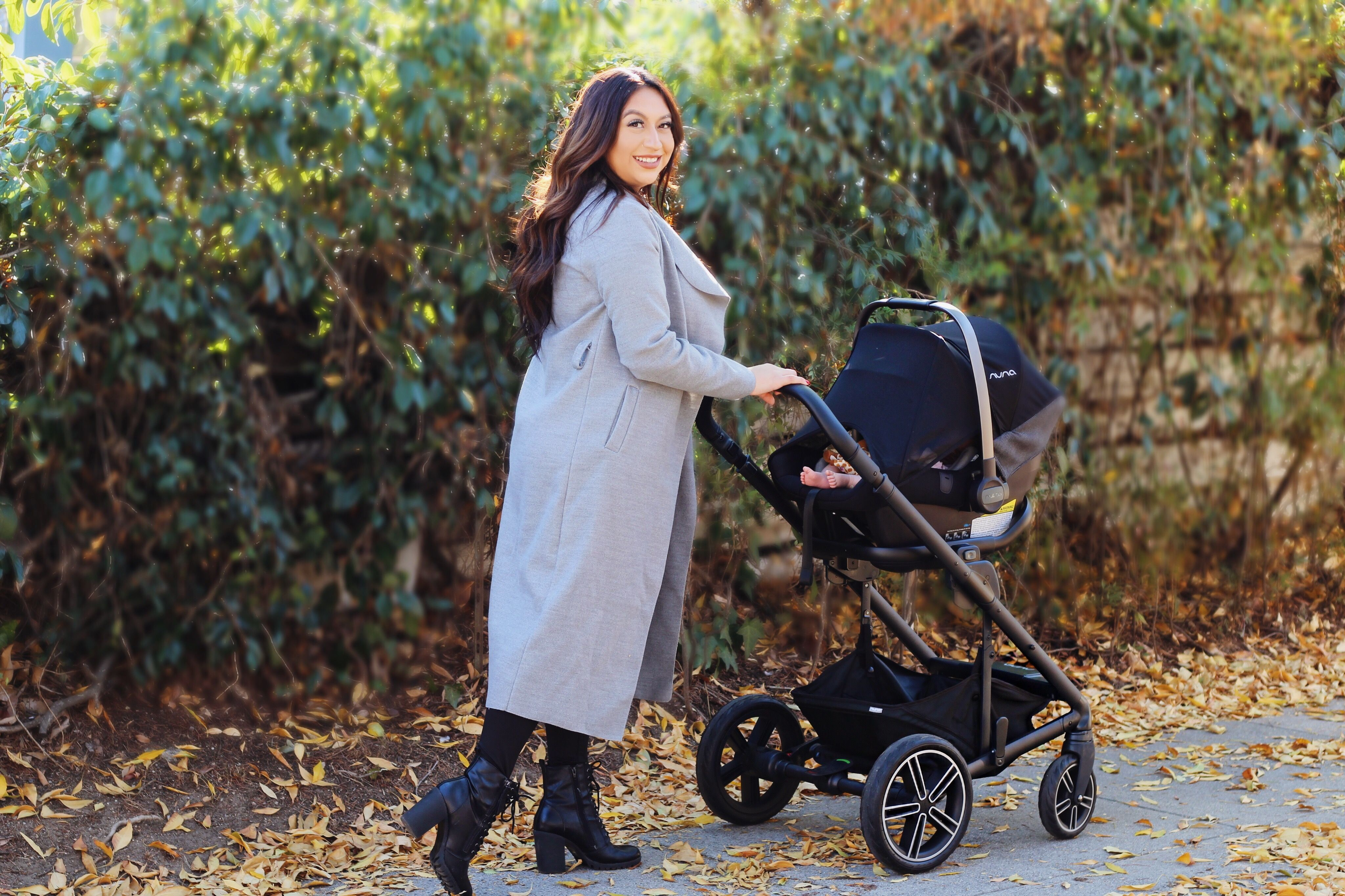 The Nuna stroller is a must have for newborns! 2019 Nuna