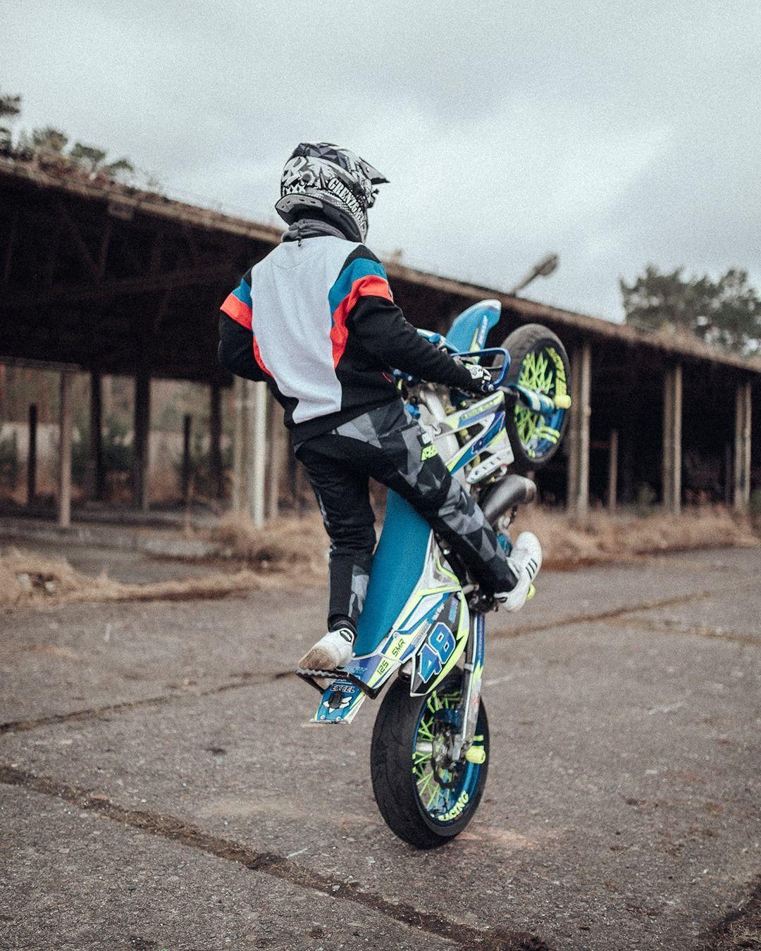 Swipe Left To Zoom Motocross Bikes Super Motard Supermoto
