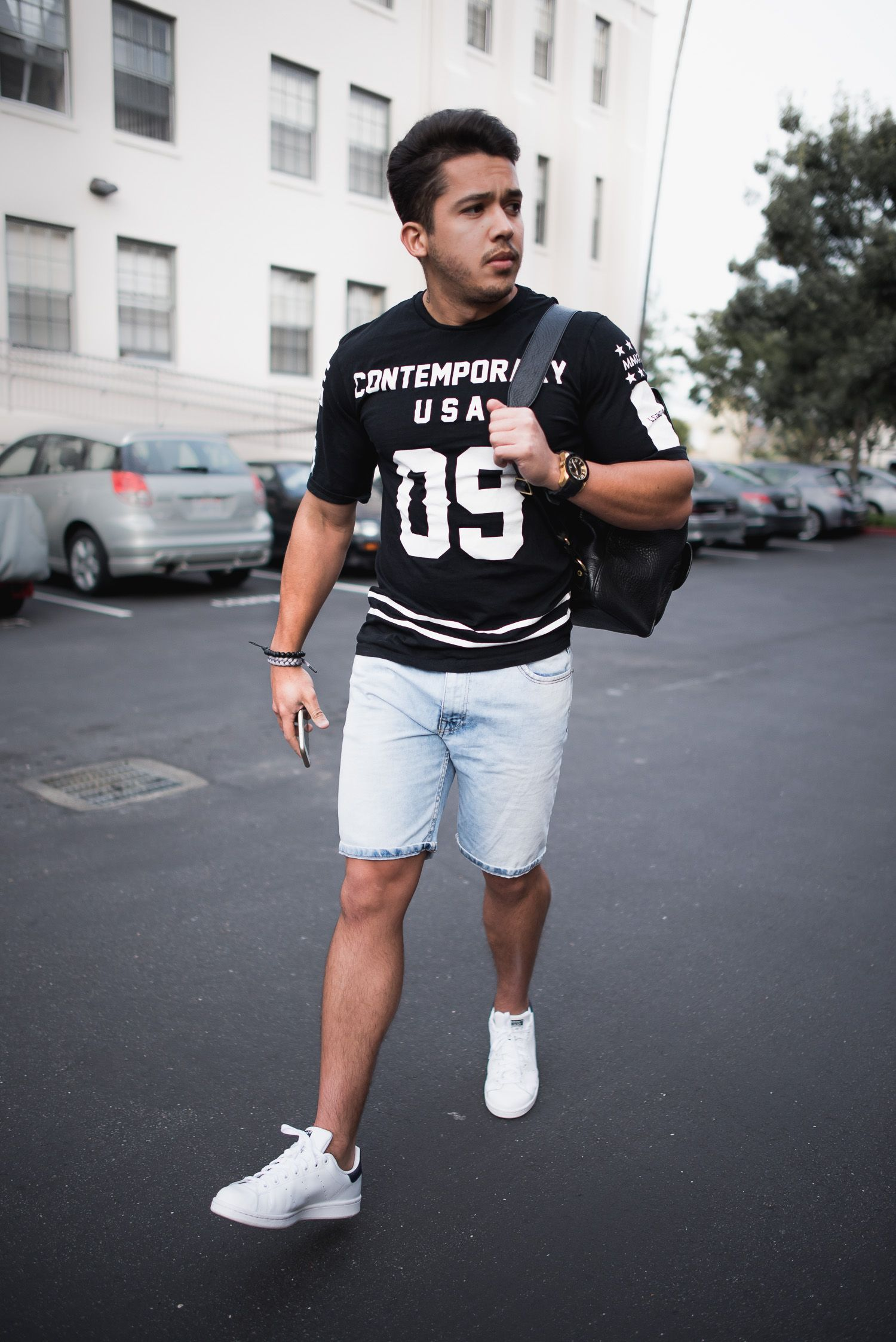 Men s Outfit Idea  Printed T Shirt, Denim Shorts and White Sneakers     outfit  menstyle 20e13e1348