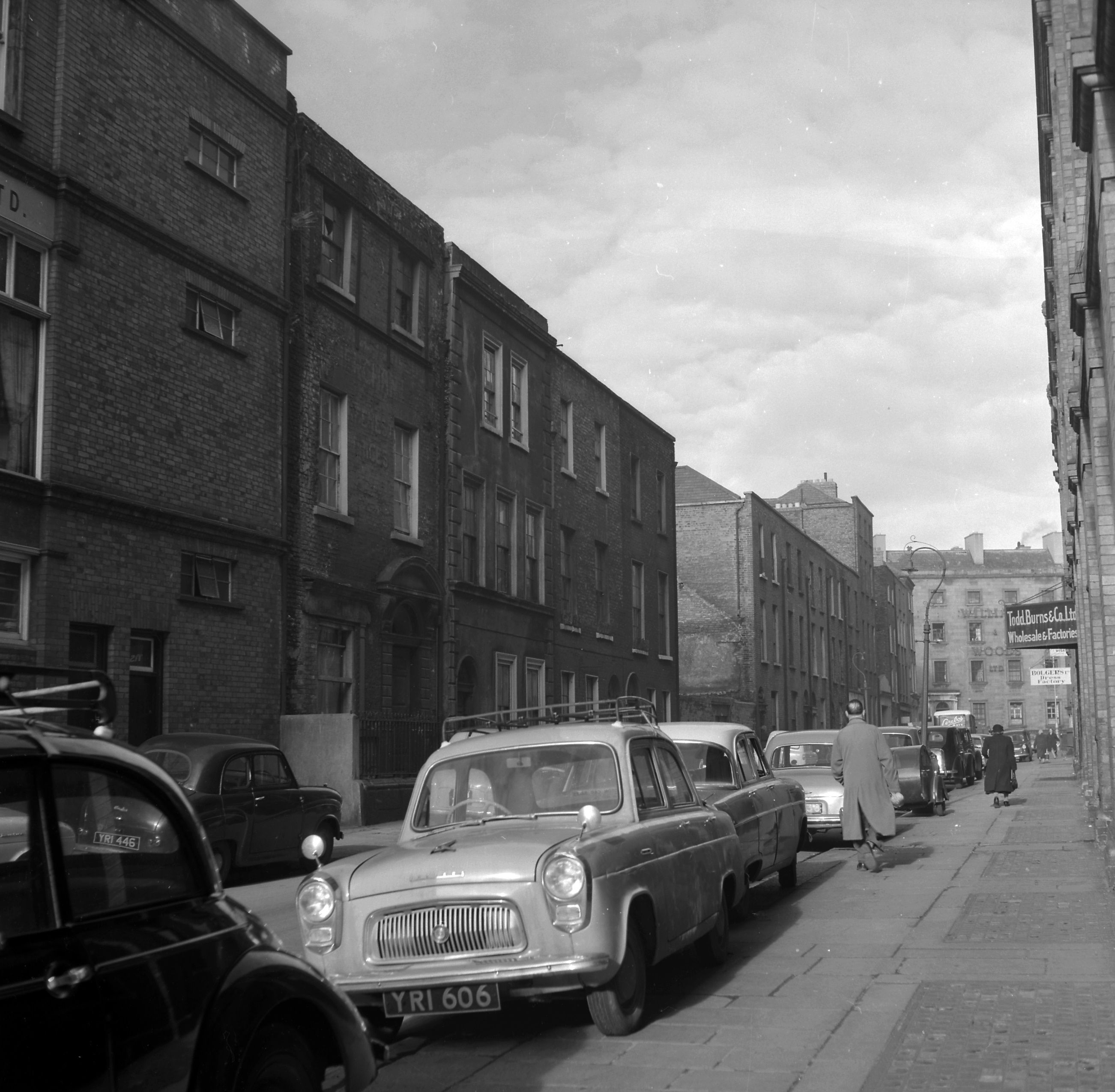 Jervis Street 1961 Dublin city, Old photos, Ford classic