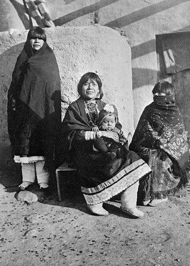 Cochiti family - 1918