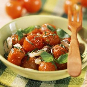 Tomates cerise poêlées au basilic