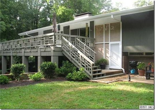Love The Woodwork On The Railing Mid Century Exterior Mid Century House Mid Century Modern House