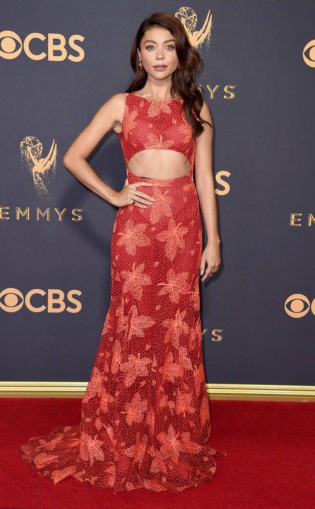 3e996b6d8c Sarah Hyland  2017 Emmys Red Carpet Arrivals  SarahHyland  RedCarpet   RedCarpetStyle  Celebrity  RedCarpetReady  RedCarpetFashion