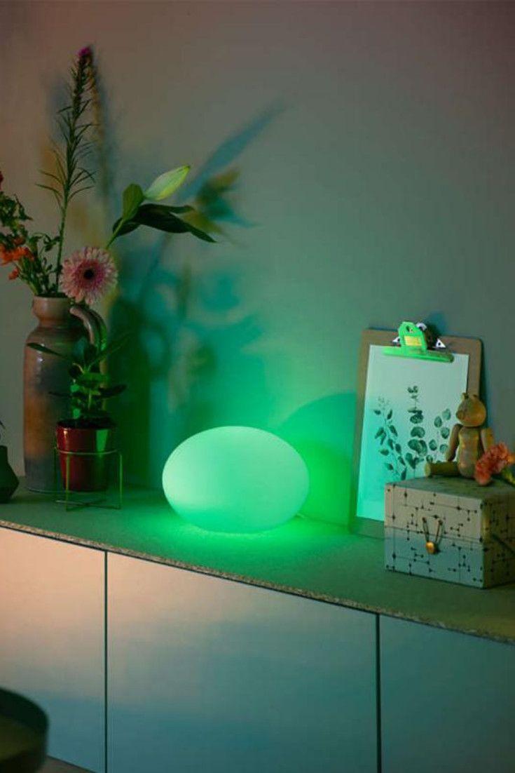 Philips Hue White and color ambiance Flourish: Schaffen Sie das perfekte Ambiente und erhalten Sie mit der weiß und farbig leuchtenden Tischleuchte Flourish ein diffuses Licht für jede Gelegenheit: Ob Sie sich auf der Couch entspannen, ein Buch lesen oder für ein perfektes Ambiente einen farbigen Akzent setzen möchten. Über die Hue App fügen Sie die Leuchtmittel ganz einfach in Ihr vorhandenes Hue System hinzu und können diese per App oder Tapschalter steuern.  reuterde  reuter