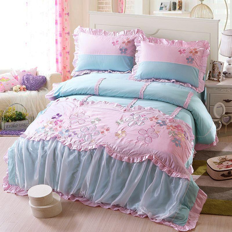 Blue Flower Girl Bedding