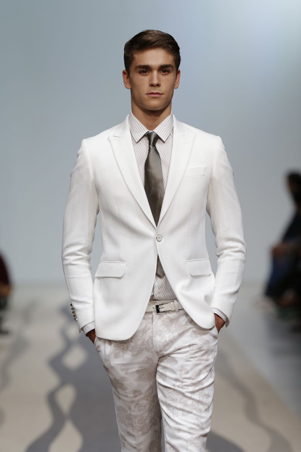 Miguel-Vieira-Spring-Summer-2015-Mens-Suits-8.jpg (990×1485 ...