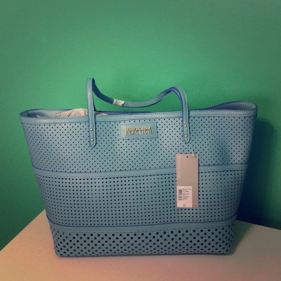 LAST DAY! SPRING Kenneth Cole Reaction Tote  SPRING Kenneth Cole Reaction Tote turquoise Kenneth Cole Reaction Bags Totes