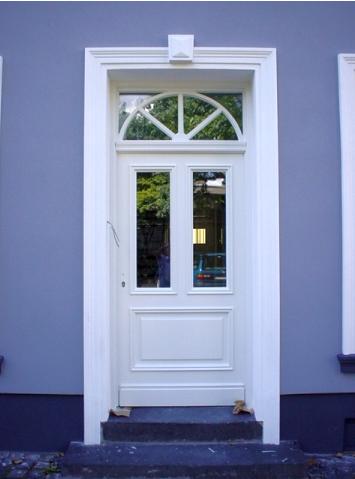 Haustüren holz antik  Haustüre nach Vorgaben gebaut. Mehr dazu unter: http://thoren-holz ...