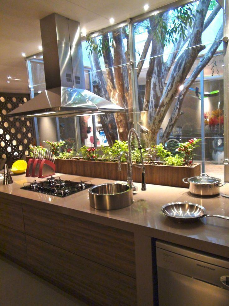 Moderne Küchenleuchten und Über-Insel-Ideen verleihen jedem Zuhause Stil.  #j