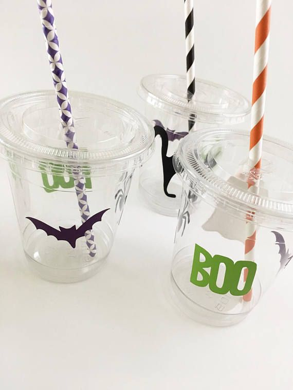 Halloween Party Cups Set of 12 With Lids Straws