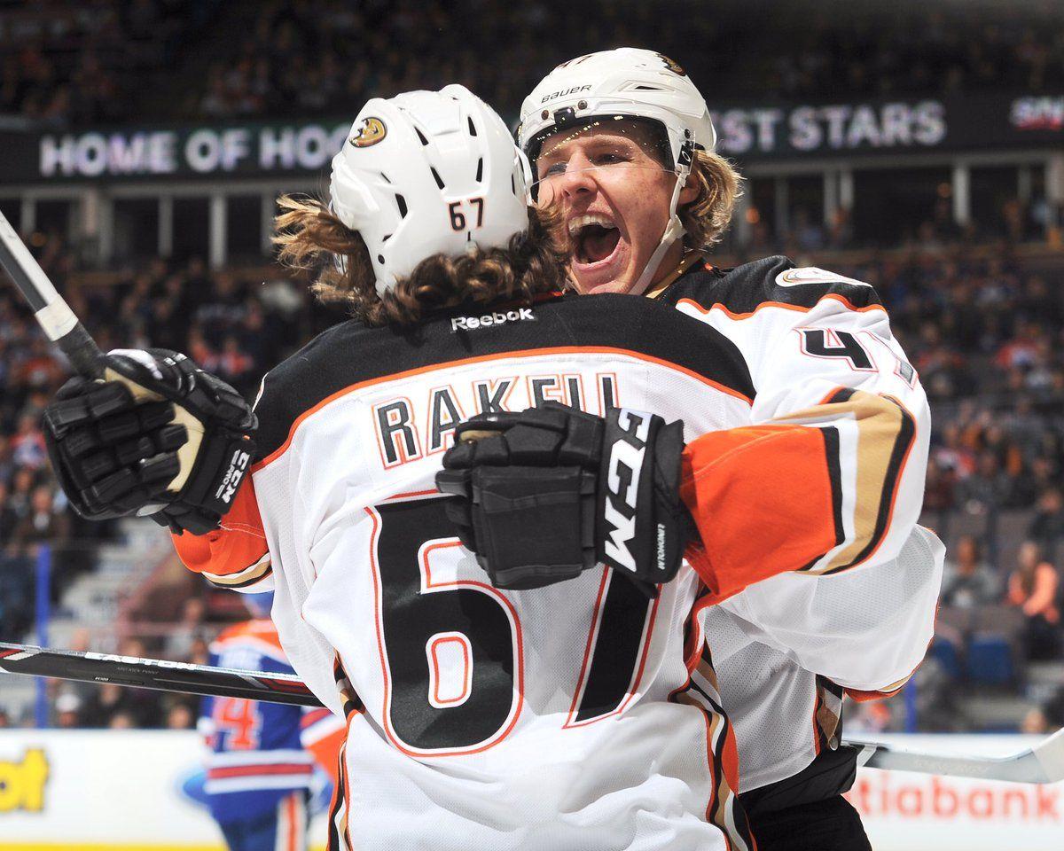 Timon And Pumba Reunited At Last Anaheim Ducks Anaheim Ducks Hockey Ducks Hockey