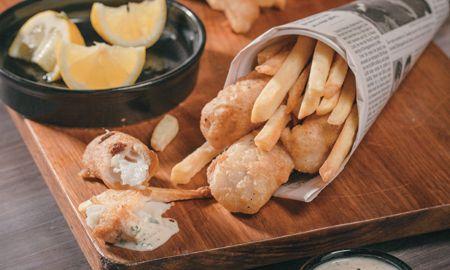 #Fish  #chips: Esta #receta es fácil de hacer y le tomará 60 minutos. Asegúrese de acompañar este plato con las salsas de su preferencia.  http://bit.ly/UU85bs