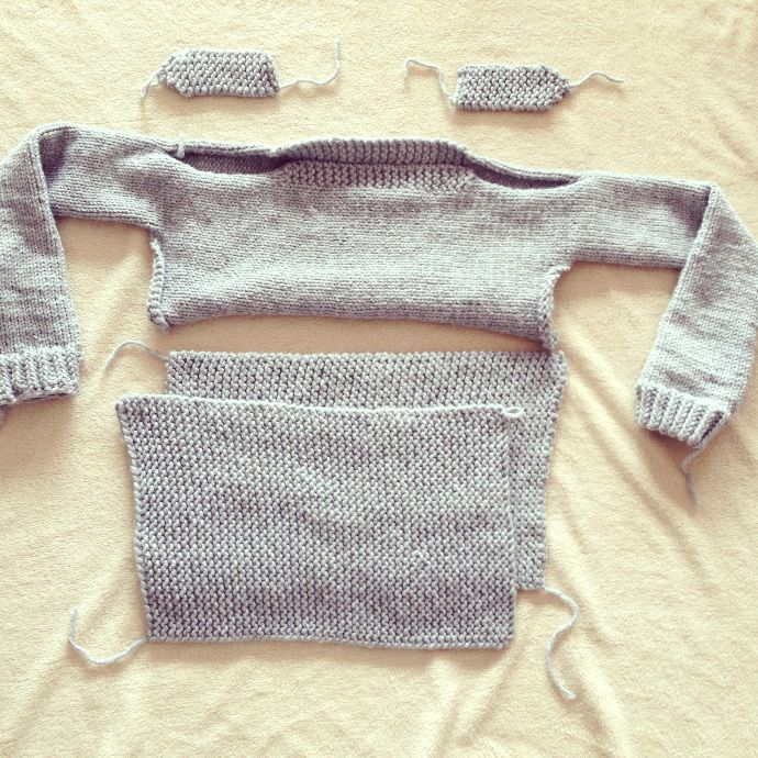 Loom knitted parts of a sweater | Vídeos de Souvenir | Pinterest ...