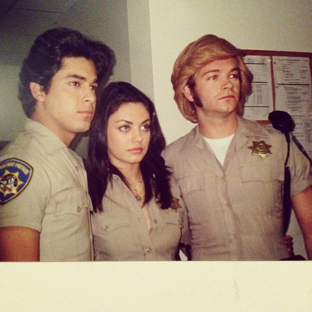 Pin By Amusementphile On That 70s Show 1998 2006 That 70s Show That 70s Show Cast 70 Show