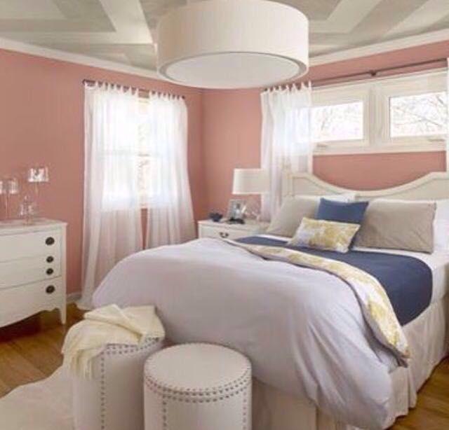 Schlafzimmerfarben, Schlafzimmerdeko, Schlafzimmer Ideen, Rosa Schlafzimmer,  Hauptschlafzimmer, Farbtrends, Möbelideen, Pfirsich, Ornamentik
